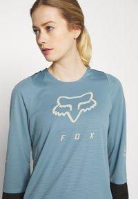 Fox Racing - WOMENS DEFEND - Funktionsshirt - light blue - 3