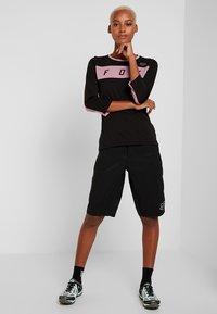 Fox Racing - WOMENS RANGER SHORT - kurze Sporthose - black - 1