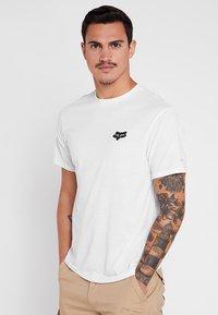 Fox Racing - MANIFEST TECH TEE - T-Shirt print - white - 0