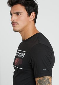 Fox Racing - GLOBAL TECH TEE - T-Shirt print - black - 3