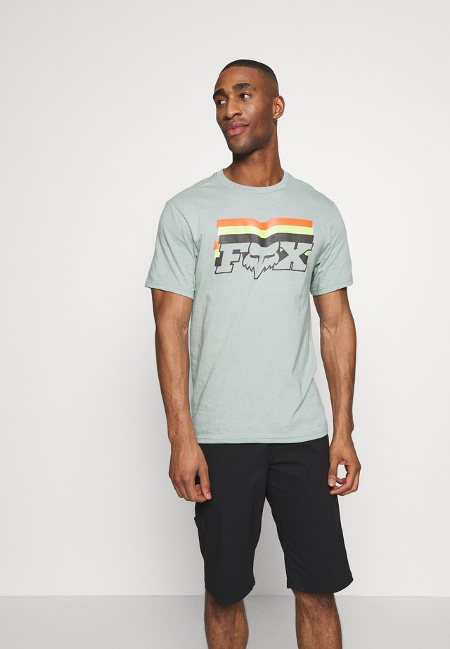 FAR OUT TEE - Print T-shirt - eucalyptus