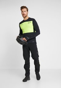 Fox Racing - DEFEND DELTA LUNAR - Funktionsshirt - day glow yellow - 1