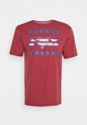BRAKE FREE TECH TEE  - T-Shirt print - chili