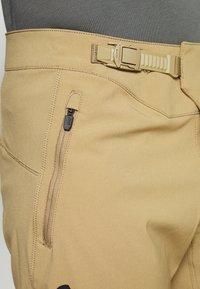 Fox Racing - DEFEND - Outdoor shorts - khaki - 3