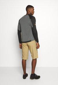 Fox Racing - DEFEND - Outdoor shorts - khaki - 2