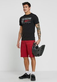 Fox Racing - RANGER CARGO SHORT - kurze Sporthose - dark red - 1