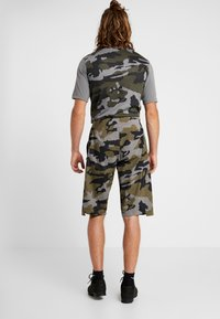 Fox Racing - DEFEND PRO WATER SHORT - Outdoor Shorts - olive - 2