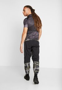 Fox Racing - DEFEND FIRE PANT - Stoffhose - green - 2