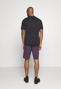 Fox Racing - FLEXAIR SHORT NO LINER - kurze Sporthose - dark purple - 2