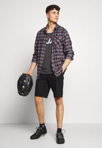 Fox Racing - ESSEX - Sports shorts - black - 1