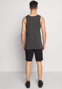 Fox Racing - ESSEX - Sports shorts - black - 2
