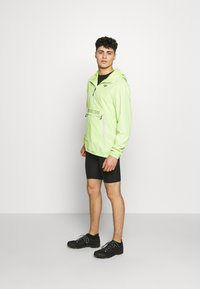 Fox Racing - SAVAGE ANORAK JACKET - Veste coupe-vent - neon green - 1