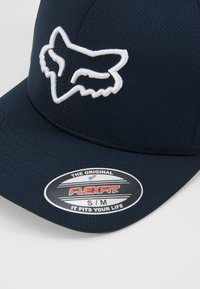Fox Racing - LITHOTYPE FLEXFIT HAT - Cap - navy/white - 5