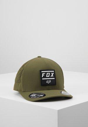 LISTLESS FLEXFIT HAT - Čepice - olive green