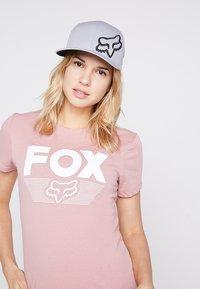 Fox Racing - FLEXFIT HAT - Cap - grey - 4