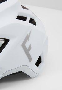 Fox Racing - SPEEDFRAME HELMET WURD - Helm - white - 2
