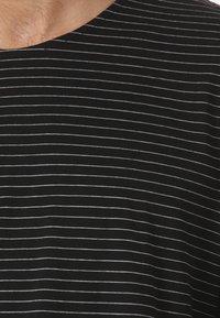 Forvert - LUTAK - Long sleeved top - black - 2
