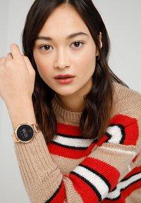 Fossil Smartwatches - Q VENTURE - Montre - roségold-coloured - 0
