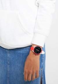 Fossil Smartwatches - SPORT - Uhr - red - 0