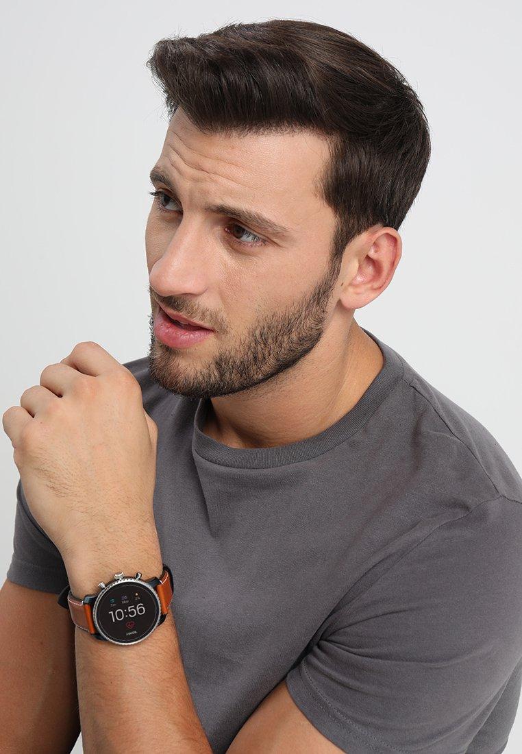 Fossil Smartwatches - EXPLORIST - Smartwatch - braun