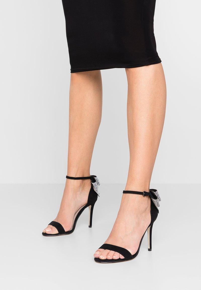 Forever New - STELLA BOW BACK - Sandály na vysokém podpatku - black