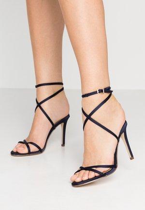 CELINA CROSS ROPE STILETTO  - Sandaler med høye hæler - navy