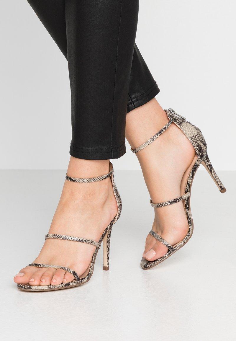 Forever New - CAMILLA STRAP STILETTO - Sandály na vysokém podpatku - beige