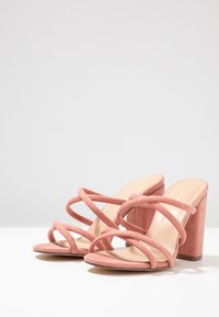Forever New - LUNA STRAPPY MID BLOCK  - Pantolette hoch - dusty blush - 4