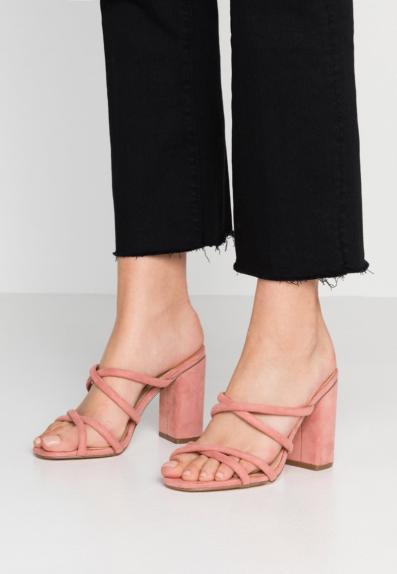 Forever New - LUNA STRAPPY MID BLOCK  - Pantolette hoch - dusty blush
