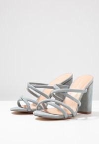 Forever New - LUNA STRAPPY MID BLOCK  - Heeled mules - ice blue - 4