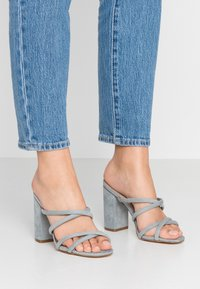 Forever New - LUNA STRAPPY MID BLOCK  - Heeled mules - ice blue - 0