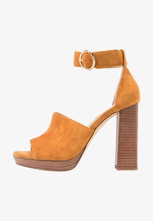 DELTA PLATFORM - Sandaler med høye hæler - ochre