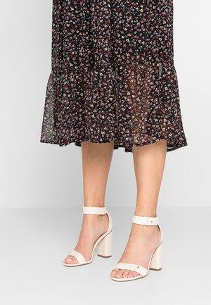 LOUISA MID BLOCK  - High Heel Sandalette - cream