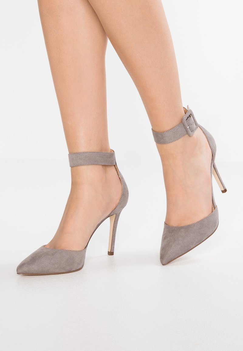 Forever New - ANDIE SQUARE BUCKLE COURT - High Heel Pumps - grey