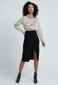 Forever New - WRAP MILANO SKIRT - Falda cruzada - black - 1