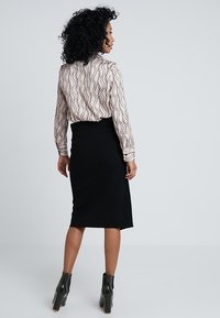 Forever New - WRAP MILANO SKIRT - Falda cruzada - black - 2