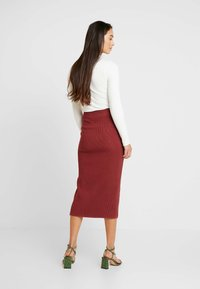 Forever New - BROOKE BUTTON SKIRT - Falda de tubo - rust - 2