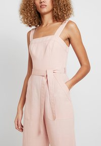 Forever New - UTILITY - Jumpsuit - pink - 4