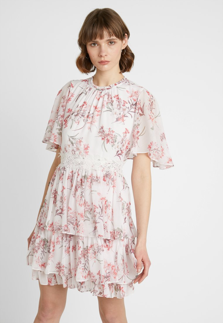 Forever New - LORI CAPE SLEEVE APPLIQUE DRESS - Freizeitkleid - multi-coloured