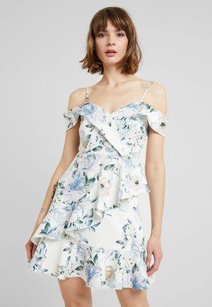 KELLY RUFFLE DRESS - Vestido informal - porcelain