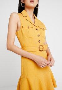 Forever New - FLIPPY UTILITY DRESS - Skjortklänning - ochre - 6