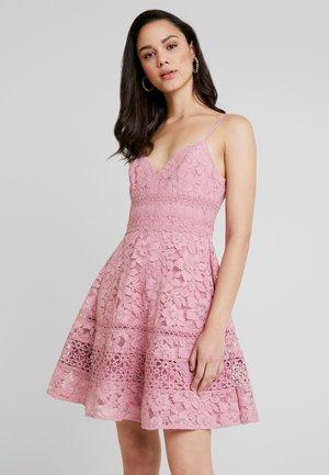 SELMA DEEP V LACE PROM DRESS - Robe de soirée - pink twist
