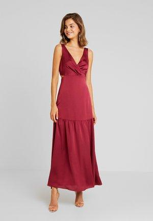 LILA CUT OUT MAXI - Długa sukienka - berry bliss