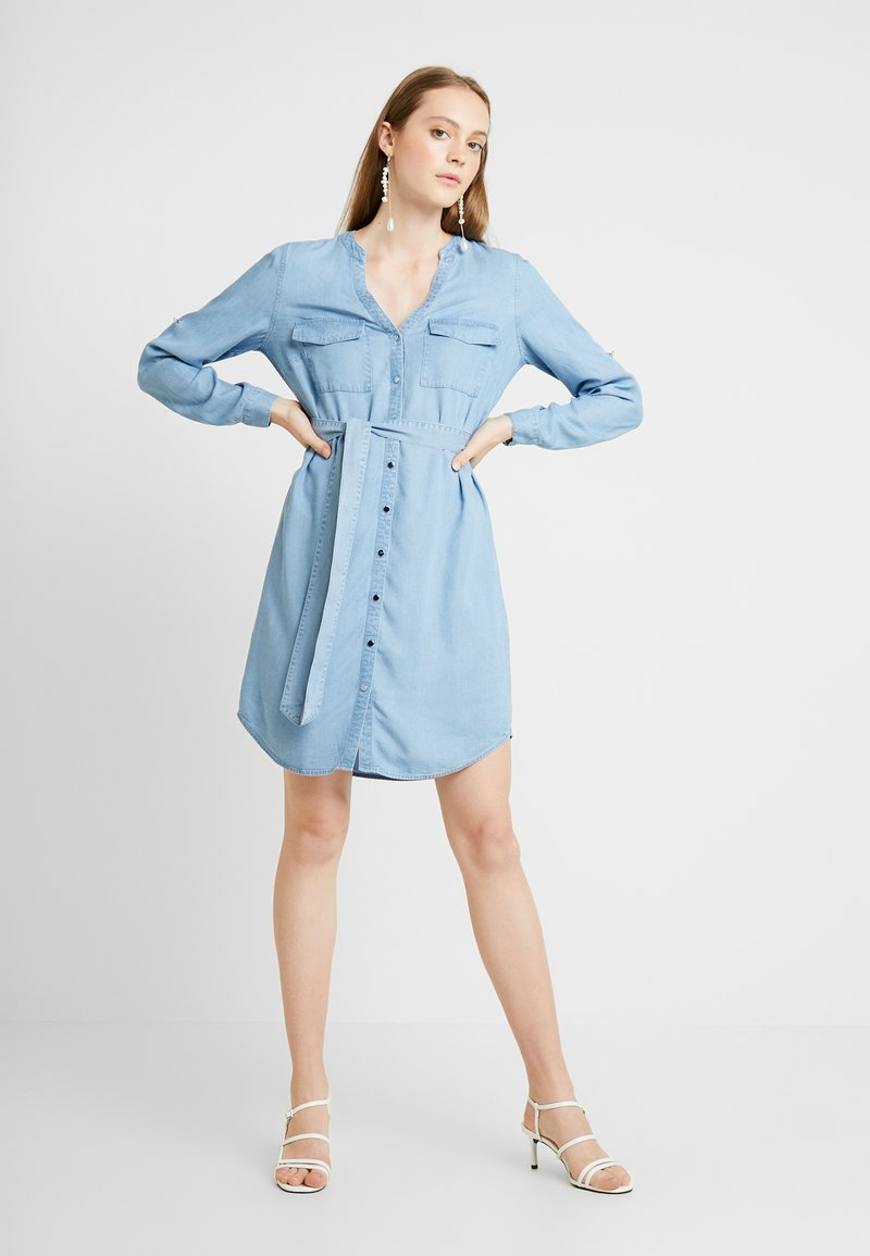 Forever New - BELINDA DRESS - Denimové šaty - mid wash