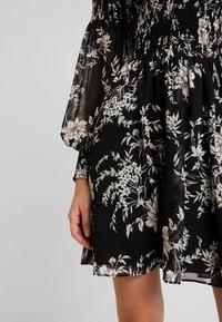 Forever New - JULIETTA SHIRRED MINI DRESS - Sukienka letnia - black - 6