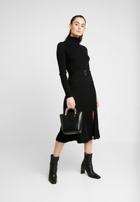 Forever New - STEPHANIE MIDI DRESS - Vestido de punto - black - 2