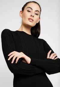 Forever New - LONG SLEEVE RIBBED DRESS - Robe pull - black - 4