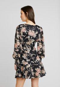 Forever New - INEZ LONG SLEEVE RUFFLE DRESS - Vestido informal - black - 2