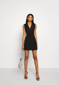 Forever New - NALA SLEEVELESS TUX DRESS - Vestido informal - black - 1