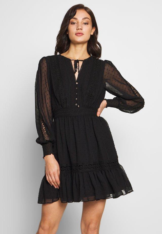 LAYLA SPLICED DOBBY DRESS - Korte jurk - black